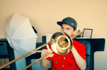 how to hold a trombone